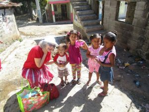 sis-eastman-with-dominican-kids